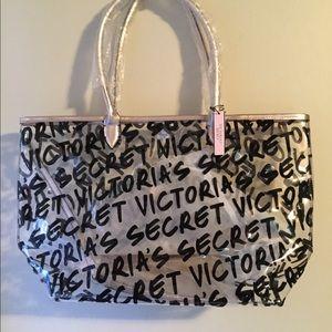 NWT VICTORIA SECRET TOTE 2 piece includes gold bag